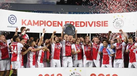 Le champion d'Eredivisie ira en phase de groupe de Ligue des champions. EFE