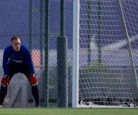 Marc-André ter Stegen já treina com os demais goleiros. EFE/ Enric Fontcuberta/Arquivo
