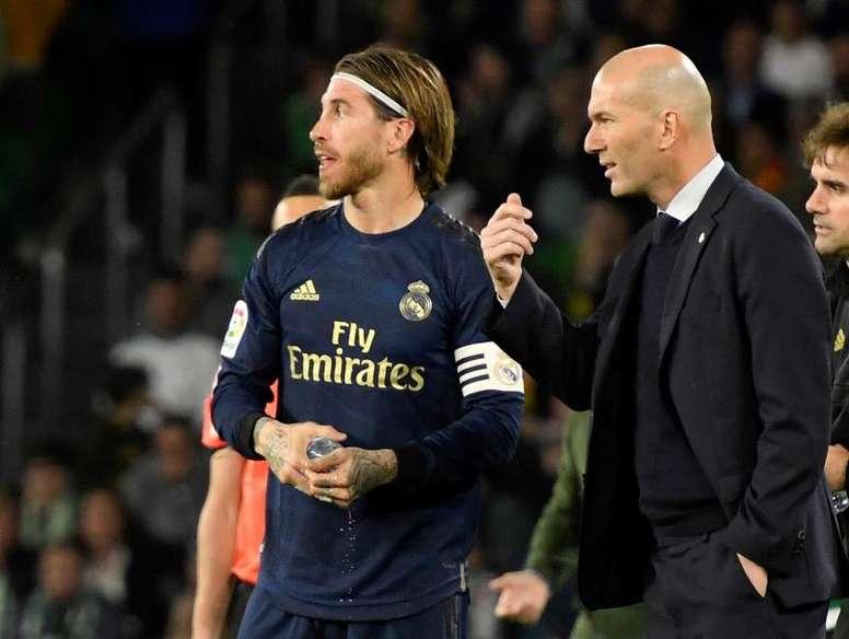 Zinedine Zidane deve ter o desfalque de Sergio Ramos contra a Inter de Milão. EFE/Raúl Caro/Arquivo