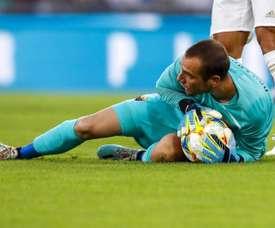 Pau López s'est fracturé le poignet à l'entraînement. EFE