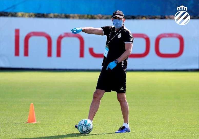Doble sesión del Espanyol con protagonismo del balón. EFE