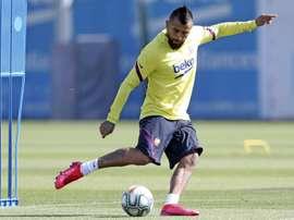 Un ancien joueur de la Juventus vole au secours d'Arturo Vidal. efe