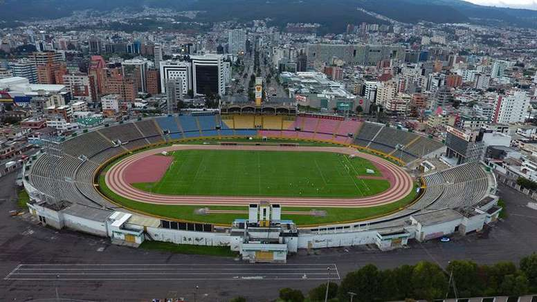 El COVID-19 tiene al fútbol ecuatoriano en estado crítico. EFE