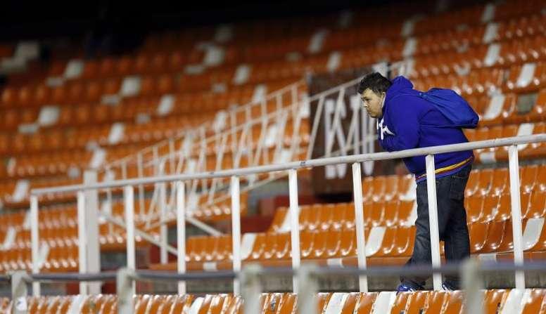 El fútbol español perderá entre 300 y 1.000 millones de euros. EFE/Archivo