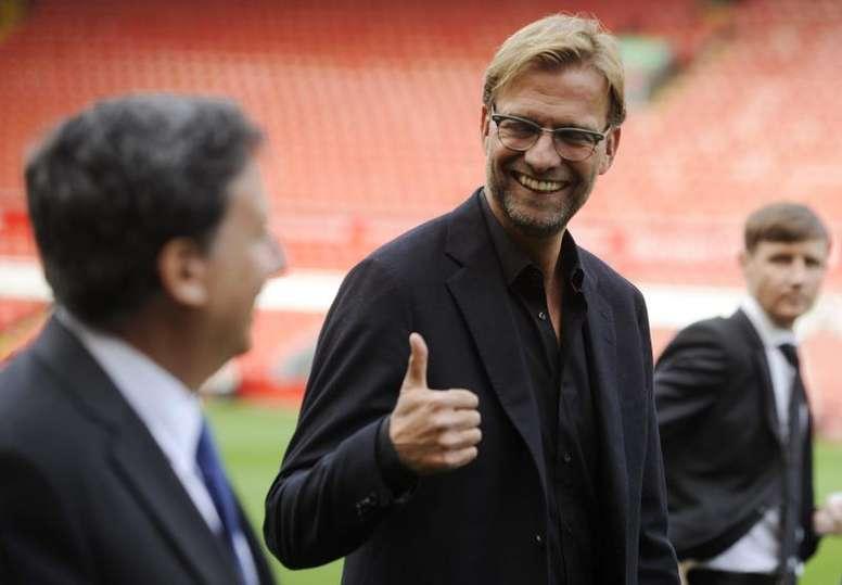 El presidente del Liverpool quiere terminar la temporada. EFE/Archivo