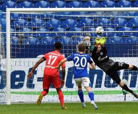 El Augsburgo ahondó en la crisis del Schalke 04. EFE