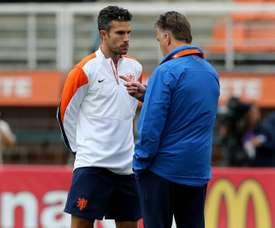 Van Gaal abofeteó a Van Persie. EFE