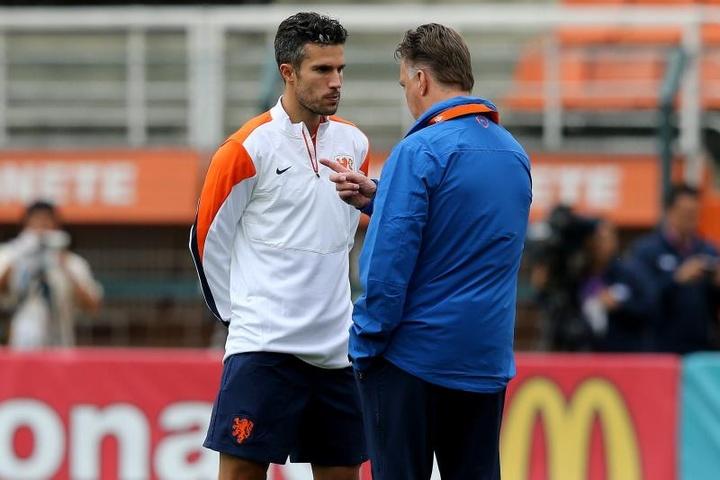 Robin Van Persie va diriger son fils au Feyenoord U16. efe