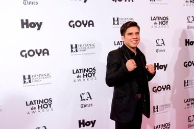 En la imagen, el doble campeón de las artes marciales mixtas de la UFC, Henry Cejudo. EFE/Felipe Chacón/Archivo