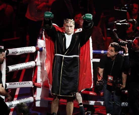 En la imagen, el actual campeón del mundo de los pesos pesados, el inglés Tyson Fury. EFE/Etienne Laurent/Archivo