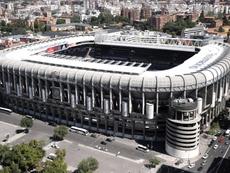 Histórico Santiago Bernabéu desde el día de su inauguración. EFE