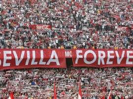 Sevilla e Betis farão o dérbi que marca o retorno do futebol espanho. EFE/Jose Manuel Vidal./Arquivo
