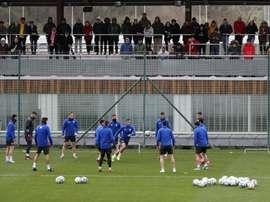 El Athletic volvió a entrenar pensando en el regreso de LaLiga. EFE