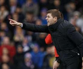 Gerrard cumple 40 años en los banquillos. EFE