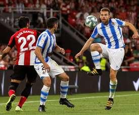 Real Sociedad will appeal Asier Illarramendi's (R) second yellow card. EFE