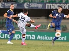 El Cagliari se rinde ante la pinta europea del Hellas Verona. EFE/EPA
