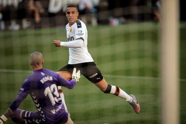 Rodrigo sofre ruptura parcial do ligamento do joelho. EFE