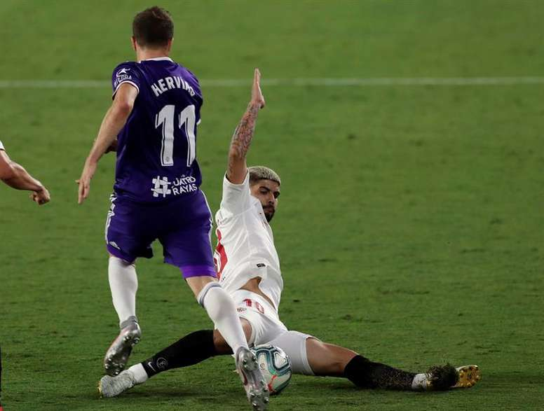 El Sevilla-Valladolid pudo ser el último partido de Banega en el Sevilla. EFE