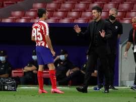 Manu Sánchez piropeó a Morata por el penalti. EFE