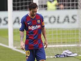 Barcelona's crisis deepens despite straining Messi. EFE