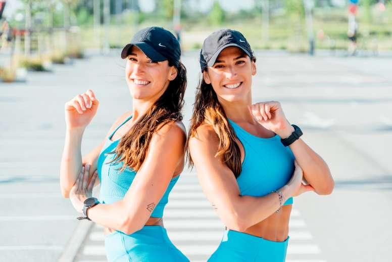 Esther y Gemma Pineda, más conocidas como Las Gemelas Pin, se volvieron virales durante el confinamiento, superando los 80.000 seguidores en Instagram gracias a sus rutinas de entrenamiento en directo. Un fenómeno que, como cuentan a EFE, buscaban, y ahora esperan que vaya a más durante la vuelta a la normalidad con su Operación BikiniPin que arranca el lunes. EFE/Gemelas Pin - SOLO USO EDITORIAL / NO VENTAS -
