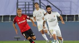Isco fue cazado criticando a Zidane en el Camp Nou. EFE