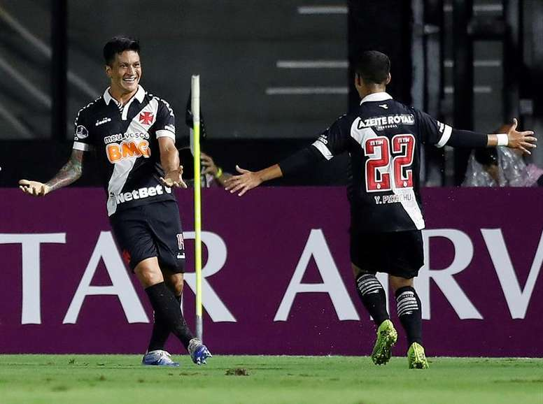 Germán Cano marcou o único gol da partida. EFE/Marcelo Sayao/Arquivo