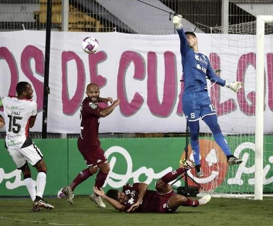 Saprissa resiste y se proclama campeón de Costa Rica. EFE