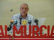 Quien quiera puede formar parte del Murcia en unos entrenamientos especiales. EFE
