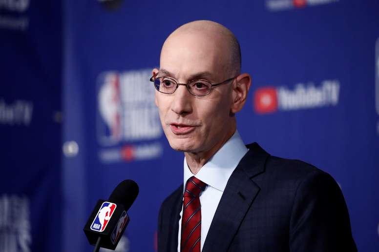 En la imagen, el comisionado de la NBA, Adam Silver. EFE/Larry W. Smith/Archivo