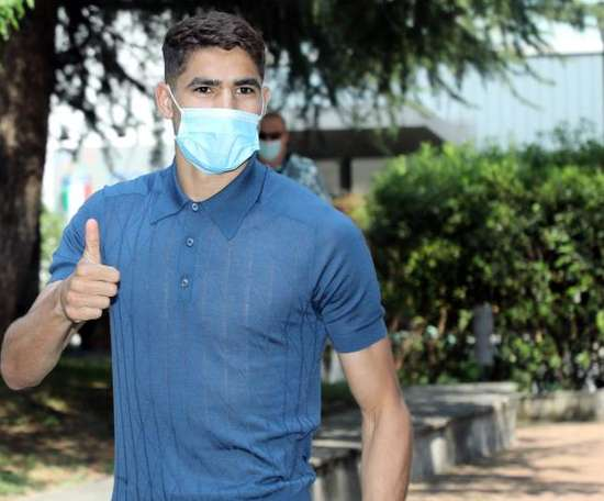 Achraf's agent singled out Zidane and praised Conte. EFE