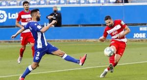 Rubén Duarte se lesionó en el choque ante el Valladolid. EFE