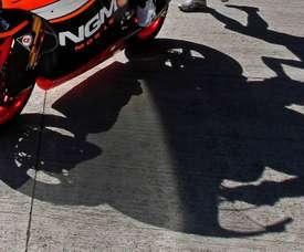 Sombra de un piloto en el Circuito de Jerez-Ángel Nieto. EFE/José Manuel Vidal/Archivo