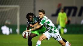Joelson Fernandes (i) no quiere irse del Sporting CP por la puerta de atrás. EFE
