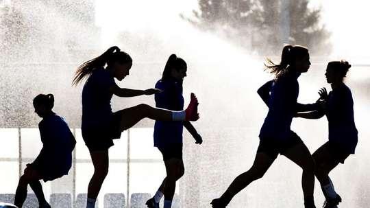 La ADFM se propone potenciar el fútbol modesto femenino. EFE/Enric Fontcuberta