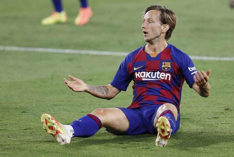 Rakitic poderia cogitar ir à MLS. EFE/Jose Manuel Vidal