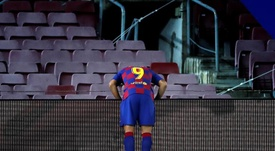 Rivaldo weighs in on Barcelona's poor results. EFE