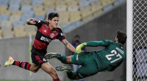 Pedro marcou o primeiro gol do Flamengo contra o Fluminense. EFE/Antonio Lacerda/Arquivo