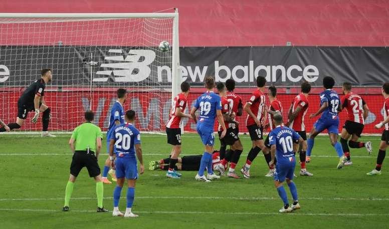 El Sevilla, a certificar pronto su plaza de Champions. EFE