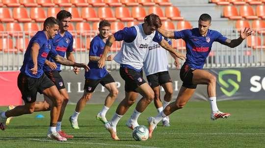 Costa, Hermoso, Carrasco y Oblak, buenas noticias para Simeone. EFE