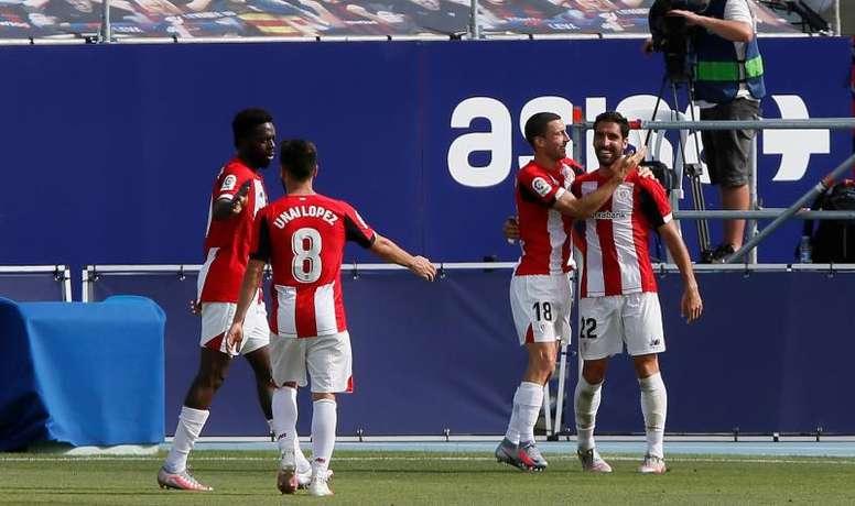 Dos goles de Raúl García meten al Athletic en puestos europeos. EFE