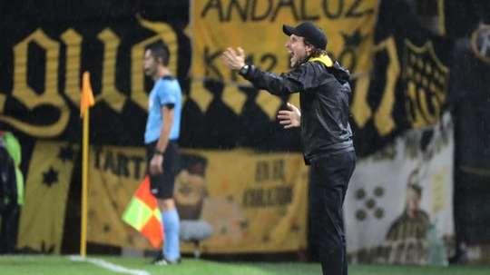 Peñarol jugará hasta cinco partidos en julio. EFE