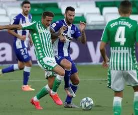 El Betis bajó el telón en el Villamarín con una nueva derrota. EFE