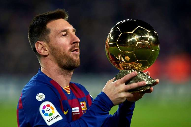Juventus wanted to sign Messi when he was younger. EFE