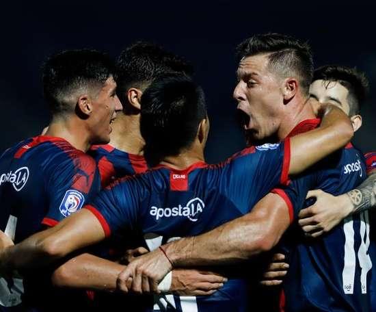 Cerro Porteño presiona en el liderato. EFE