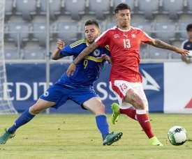 Rhyner ya tiene el visto bueno para jugar con Perú. EFE