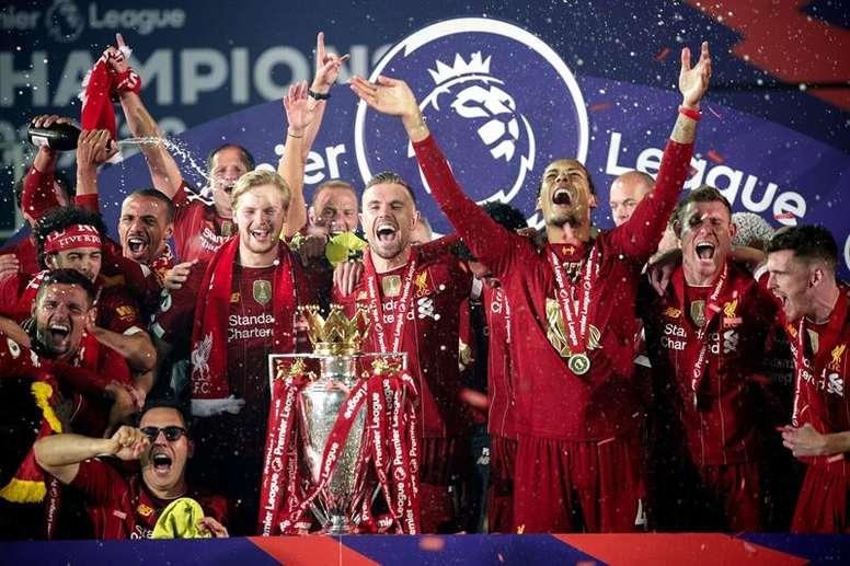 El Liverpool acabó con tres nominados. EFE