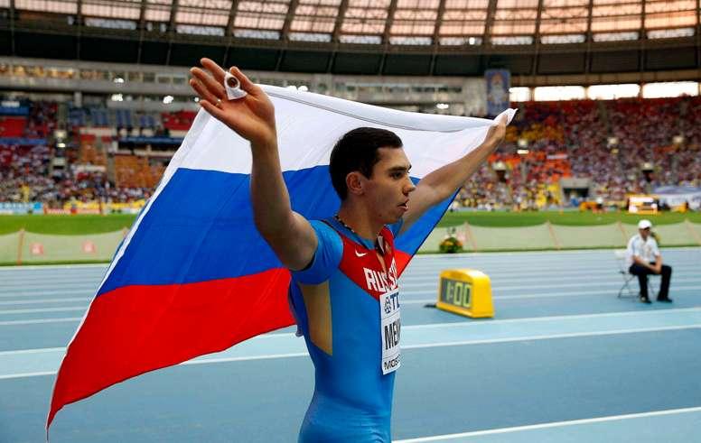 El atleta ruso Aleksandr Menkov en el Estadio Olímpico Luzhnikí de la capital rusa. EFE/Alberto Estévez/Archivo