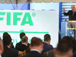 La FIFA fija los requisitos para acceder al Plan de Apoyo COVID-19. EFE/Miguel Lemus