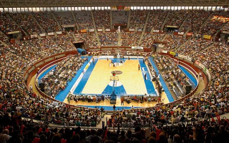 El coso taurino de Illumbe en San Sebastián, cancha del Donosti Gipuzkoa Basket. EFE/Juan Herrero/Archivo